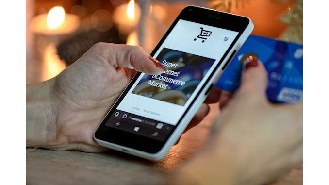 Les consommateurs utilisent leurs smartphones pour préparer les fêtes @clesdudigital